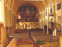 Vedere interior de la altar