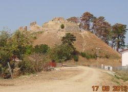 Cetatea Feldioara vazuta de pe podul de peste Olt.