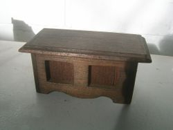wood hinging on lid