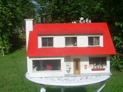 Built in 1970 by Ken Ketteridge who made and supplird many shops with his metal miniatures until 2004