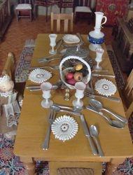 Hannah had laid the Scheneegas table beautifully.