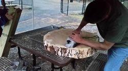 Sanding the log (3)