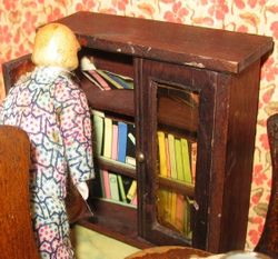 Stained wooden bookcase - ca 1930s?