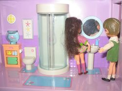 Dolly Darlings in the Blue-Box bathroom