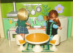 Dolly Darlings in the Blue-Box kitchen