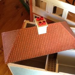 Roof, house and removable front
