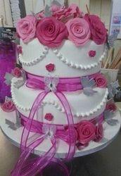 Romantik Mixed Pink Roses Wedding cake with bling