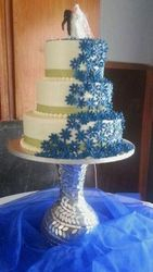 3tier wedding cake with blue flowers and fish