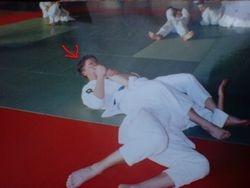 Preforming Juji Gatame