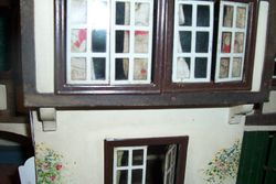WINDOWS ON TRIANG HOUSE