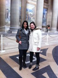 Caroline and Anne-Sophie inside the Pantheon