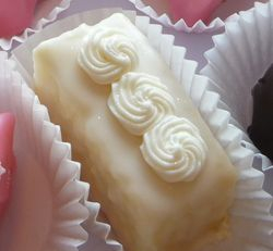 White Chocolate Cheese Cake Cutie Cake