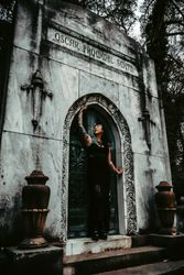Lover's Tomb