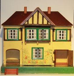 Tri-ang  house age ?