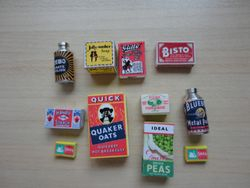 1930s foodstuffs and household items