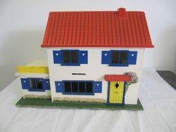 Crest Cottage, 1966-70. Dimensions: 23.5 inches [60 cm] wide, 11.5 inches [29.5 cm] deep and 16.5 inches [42 cm] high