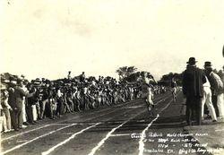 Running race in Hawaii  - (1929)