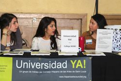 Universidad YA!/ College NOW! table