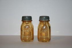 Iridized small Mason Jar shakers