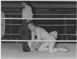 Joe Critchley wrist locks Dale Storm