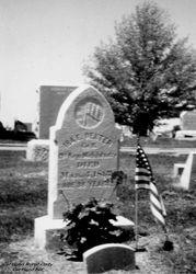 Ira Edward Dexter gravestone