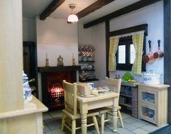 Candleford Cottage Kitchen