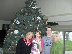 Taylor with her mom, brother and Aunt on Christmas 2009