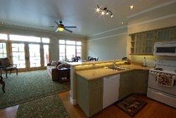Kaslo Hotel - Vacation Rental Apartment