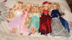 Five Sindy Cut'N'Style Dolls