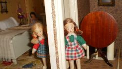 Erna Meyer Twins playing hide & seek