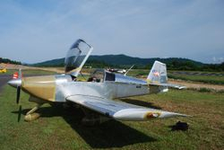 Noel Fallwell was one of the first to arrive on the field in his RV-6A