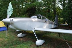 This RV-8 sported a dolphin paint scheme