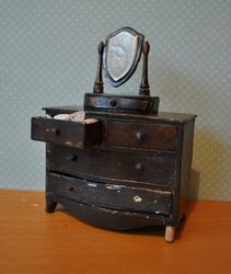 Tri-ang's Queen Anne Period Scale Model Dressing Mirror and Chest of Drawers