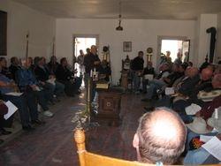 W Bro Noyes Sharing Education in Meeting