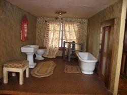 Hobbies House - bathroom
