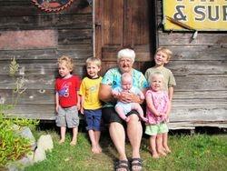 Nodin, Jasper, Granma, Rowan, baby Devon and Tillie