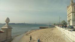 Trgovacki trg, reka Tezo ( Tejo), most Vasco da Gama, Lisabon