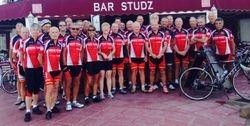 New kit at ride start, Studz Bar, Sun 12.10.14
