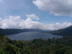 Tamblingan jezero