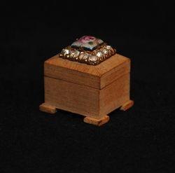 Pearwood jewelry box