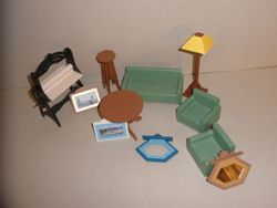 No1989 Dolls house furniture S2 - 02