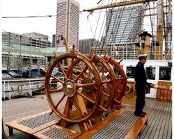 Love the big Ships wheels!