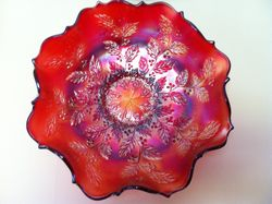Holly ruffled bowl, cherry red