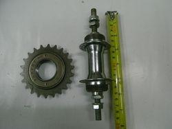 axle with 22T left freewheel