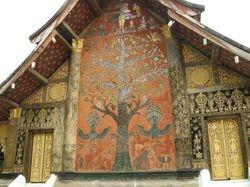 the tree of life at Wat Thieng Thong