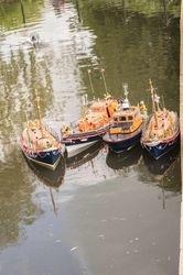 Unsynchronised Lifeboats