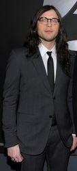 Grammy Red Carpet (13 Feb 11)