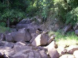 Ibi?na SP - Cachoeira da Represa Itupararanga