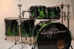 Montreal's custom shop LuckyDrums