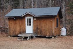 4-bunk (8-man) cabins